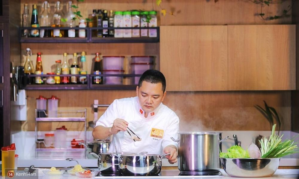 Chuyên gia ẩm thực, Siêu đầu bếp Võ Quốc – Giám khảo chuyên môn cuộc thi BSIN & WLIN Iron Chef, Tổng biên tập tạp chí Món ngon Việt Nam