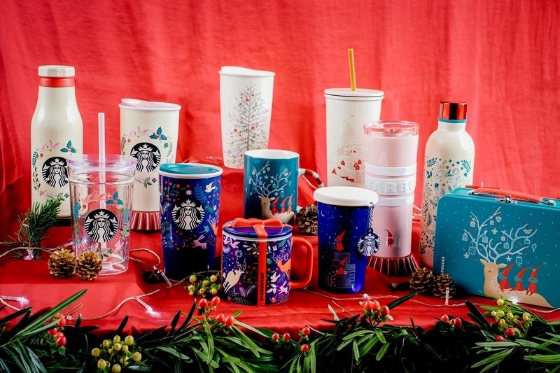 . Đương nhiên không thể thiếu sự trở lại của những món nước theo mùa, cùng bộ sưu tập sản phẩm lưu niệm độc đáo vô cùng phù hợp để làm quà tặng cho mùa trao gửi yêu thương này.