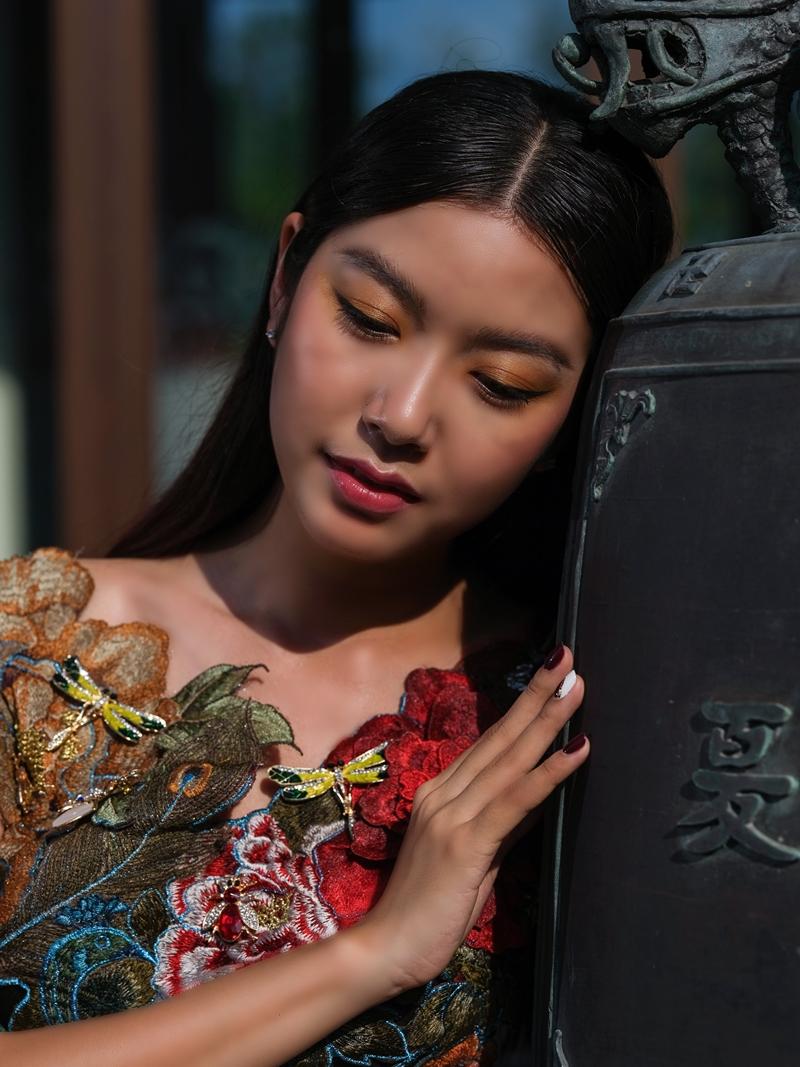 Ảnh: Jack's Image; Người mẫu: Á hậu Miss International Thuý Vân; Trang điểm: Kyo Phan; Video & Sản xuất: Terry Mach Team: Mạch Gia; Địa điểm: Khách sạn Banyan Tree, thuộc khu phức hợp nghỉ dưỡng Laguna Lăng Cô