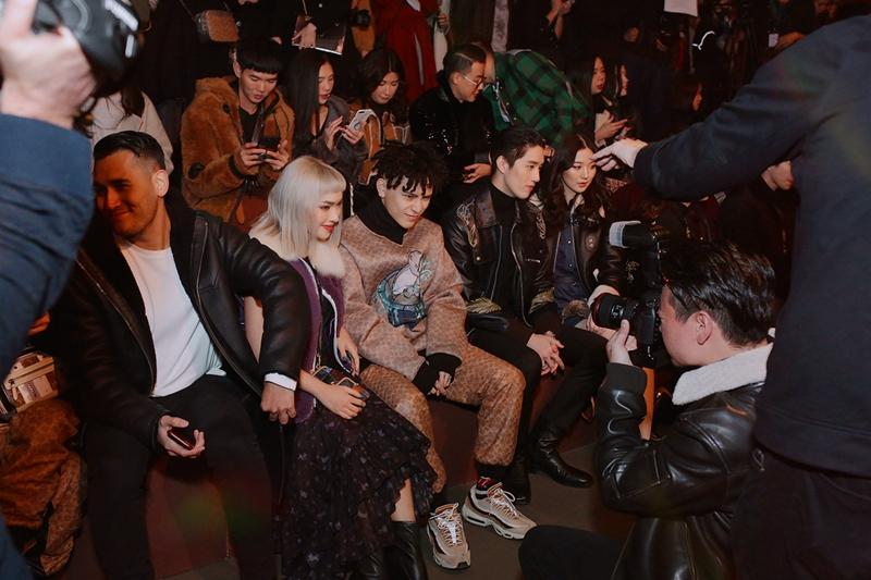 20181012_chau_bui_decao_kiko_mizuhara_hang_ghe_dau_coach_deponline_02