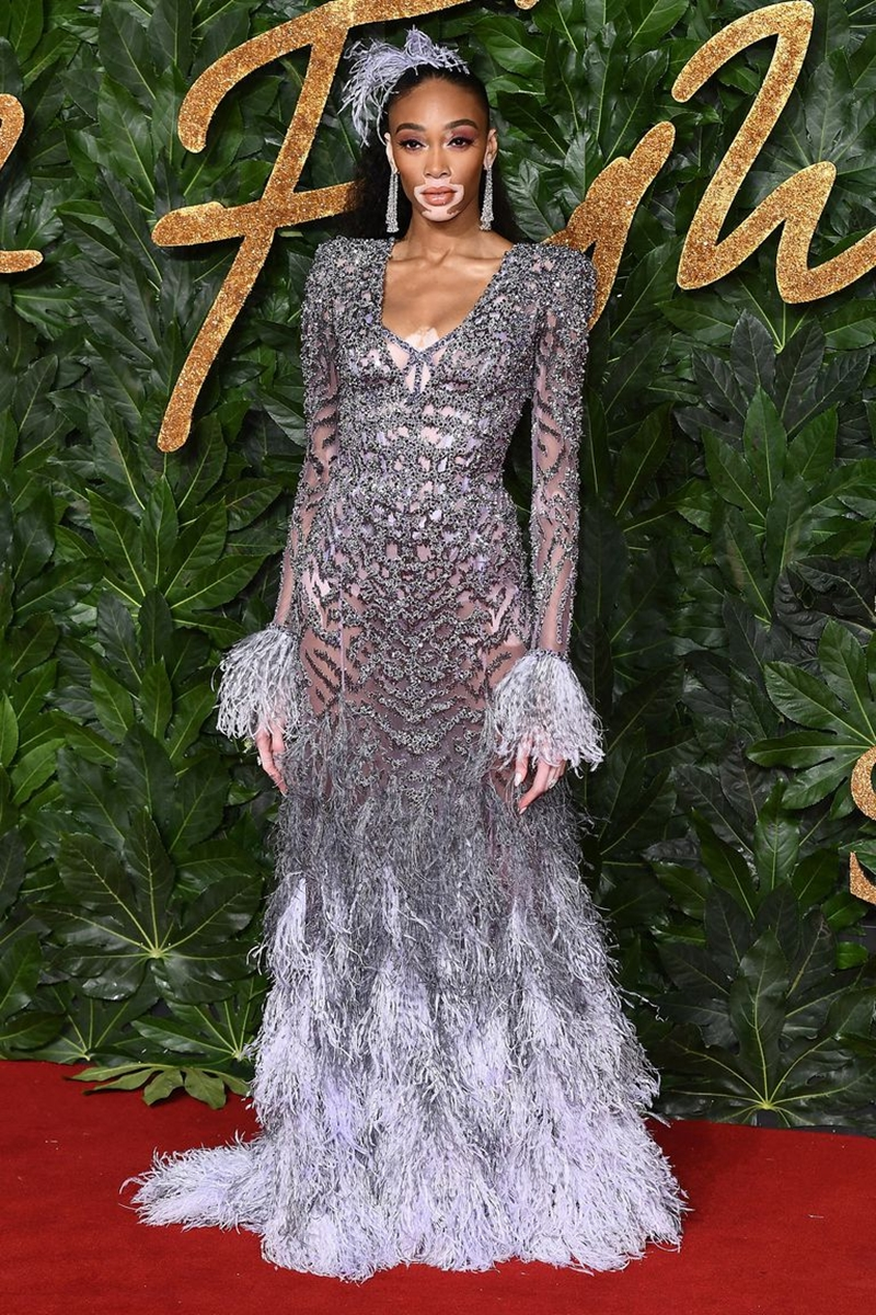 20181212_kaia_gerber_the_fashion_awards_2018_deponline_06