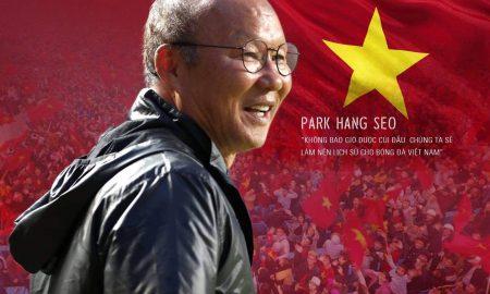 """HLV Park Hang-seo: """"Không bao giờ được cúi đầu. Chúng ta sẽ làm nên lịch sử cho bóng đá Việt Nam"""""""