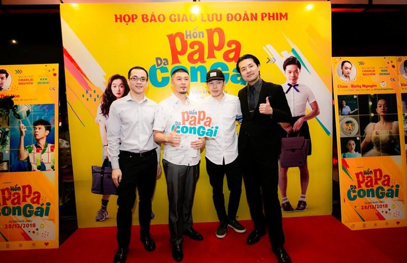 (Từ trái sang): biên kịch Michael Thái, NSX Charlie Nguyễn, Thái Hòa, đạo diễn Ken Ochiai.