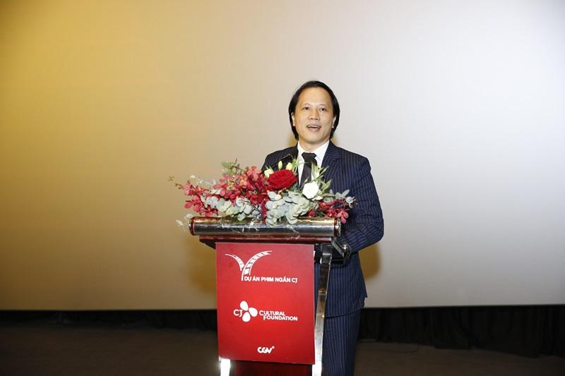 Ông Trần Nhất Hoàng – Phó Cục trưởng Cục Hợp tác Quốc tế, Bộ Văn hóa, Thể thao và Du lịch tham dự và phát biểu tại buổi lễ.