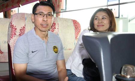 """Hãy """"dùng"""" vợ như HLV đội tuyển Malaysia – ông Tan Cheng Hoe"""
