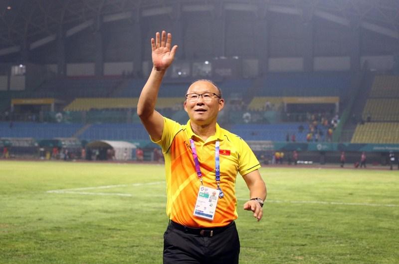 """""""Không được sợ hãi trước bất kì đối thủ nào"""" chính là một trong những vũ khí tối thượng mà Park Hang Seo truyền cho đội tuyển Việt Nam."""