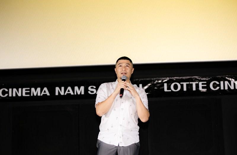 NSX Charlie Nguyễn cũng cho biết những hình ảnh nhân vật hút thuốc, hút vape trong phim cũng sẽ được cân nhắc, chỉnh sửa để phù hợp nhất với quy định mới của Cục Điện Ảnh nhưng vẫn giữ được những giá trị của những cảnh quay này với bộ phim.