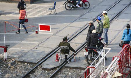 """Người Việt """"xấu xí"""" trong văn hóa giao thông (P. 2): Biển báo ngược chiều à? Đừng quan tâm!"""