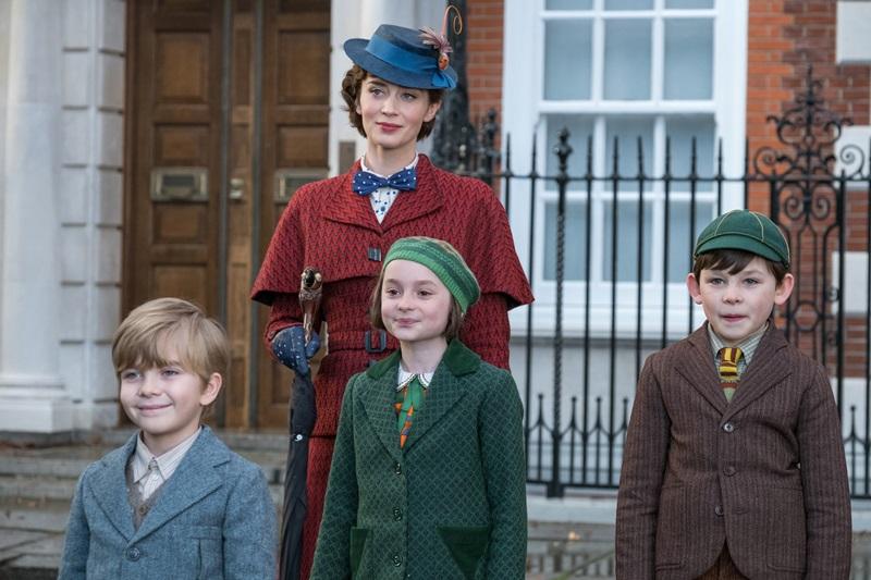 Cô bảo mẩu nhiệm màu Mary Poppins hứa hẹn sẽ đem đến niềm vui cho những đứa trẻ nhà Banks.