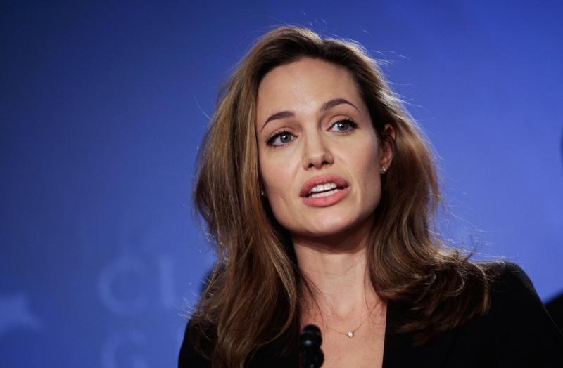 """Angelina Jolie: """"Phụ nữ không được trao quyền, quyền đó thuộc về phụ nữ khi họ vừa chào đời"""""""