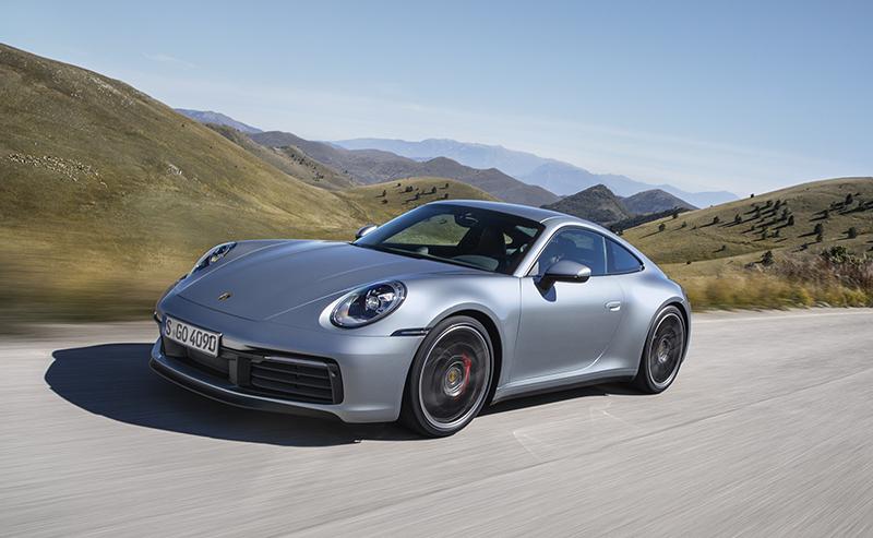Porsche 911 mới với camera tầm nhiệt nhìn ban đêm