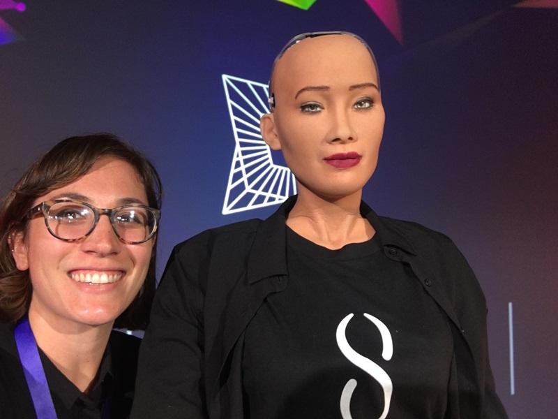 robot-sophia-ngoi-hang-ghe-dau-show-dien-cua-ntk-alexander-wang-fall-2019-006