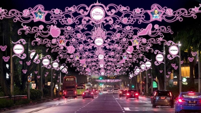 Mùa Giáng sinh năm nay, Đại lộ Orchard khoác lên mình bộ cánh quyến rũ nhất theo chủ đề Disney.