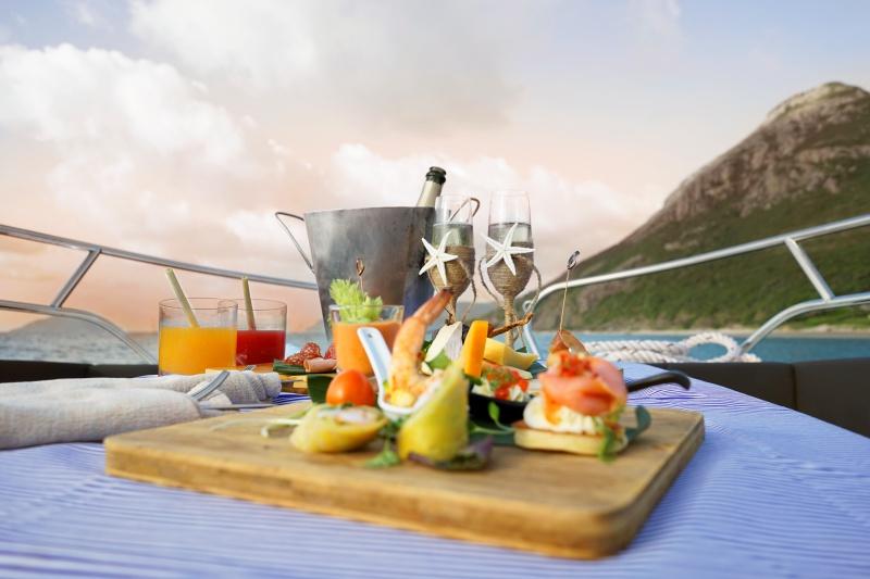 Du thuyền ngắm hoàng hôn tại Six Senses Côn Đảo.