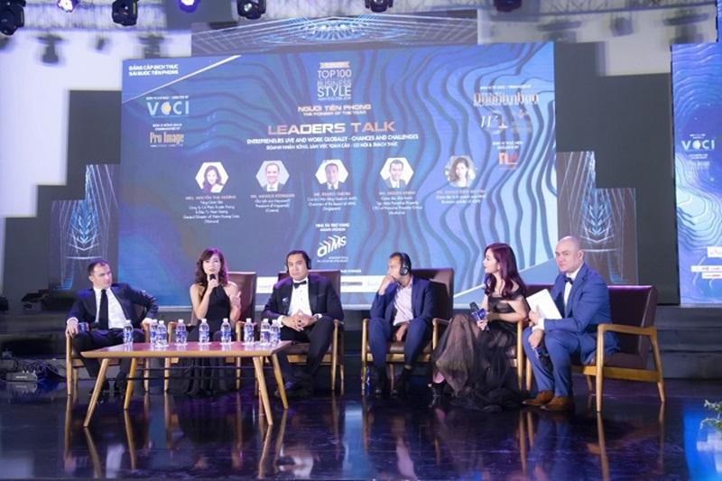 """Talk show """"Doanh nhân sống và làm việc toàn cầu – Cơ hội và Thách thức"""" đã cung cấp nhiều kiến thức và kinh nghiệm hữu ích cho doanh nhân Việt Nam."""