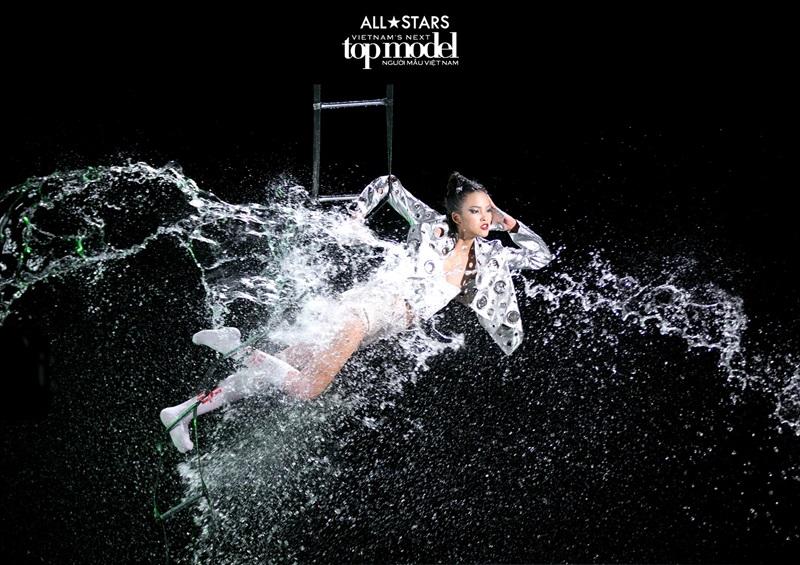 Cùng hàng loạt thử thách khó nhằn mà ngay cả những thí sinh từng làm người mẫu nhiều năm vẫn rất chật vật để vượt qua.