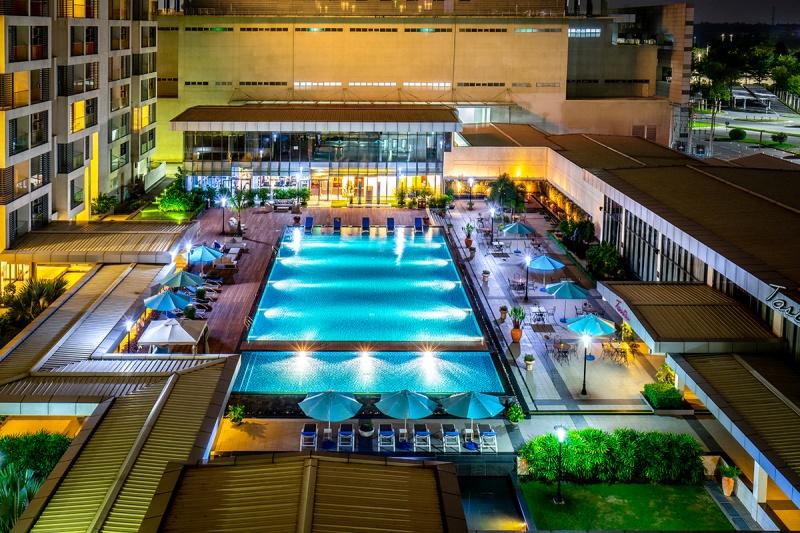Khu hồ bơi ấn tượng của khách sạn.