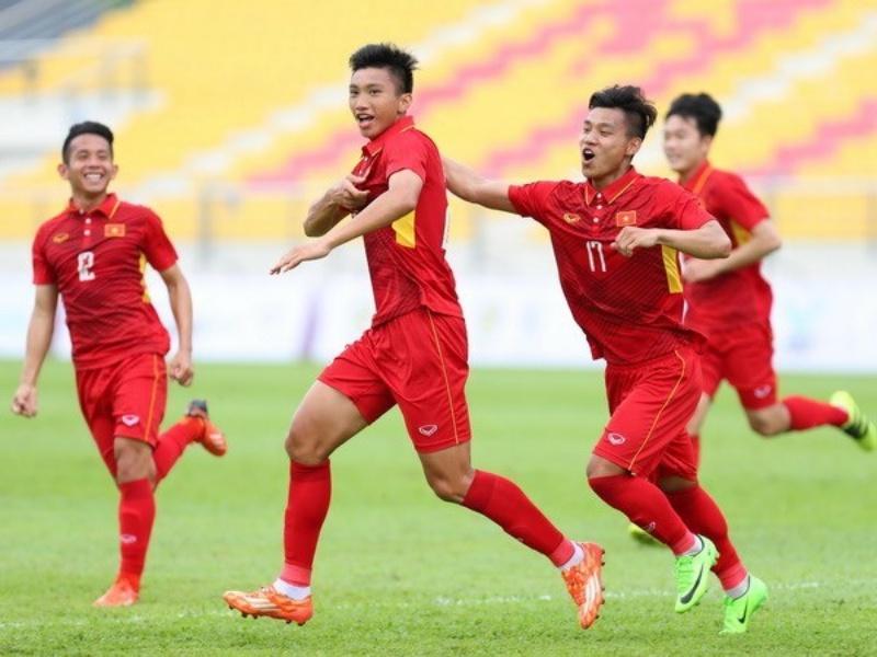 Các cầu thủ ăn mừng bàn thắng tại AFF Suzuki Cup 2018 (Ảnh: Hoàng Linh/TTXVN)
