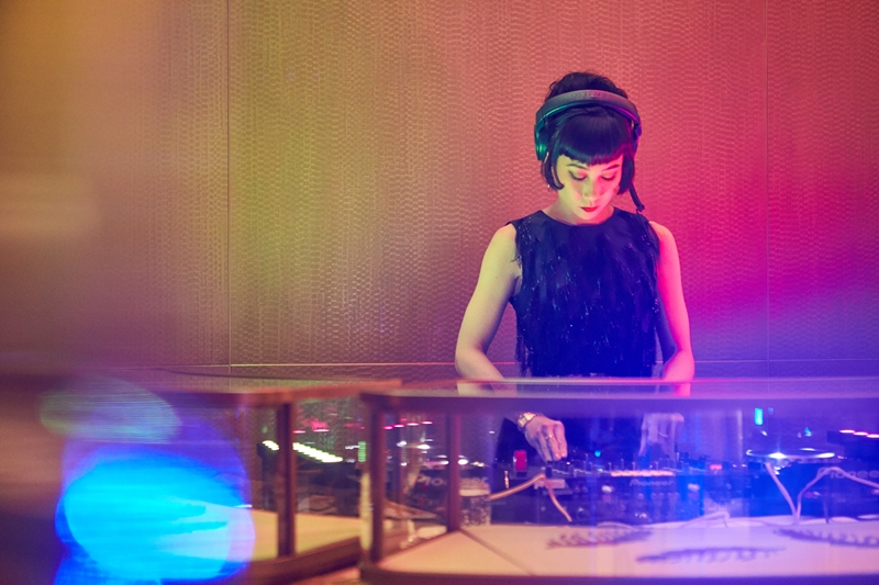 Cô đảm nhiệm phần âm nhạc cho tiệc after-party.