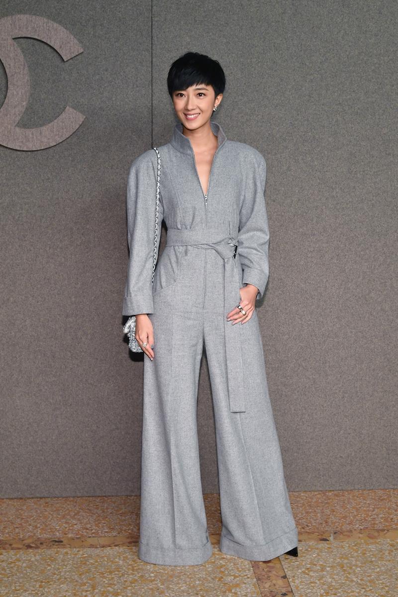 Quế Luân Mỹ tiếp tục trở thành khách mời VIP của Chanel tại sự kiện ra mắt BST Métiers d'Art tại New York.