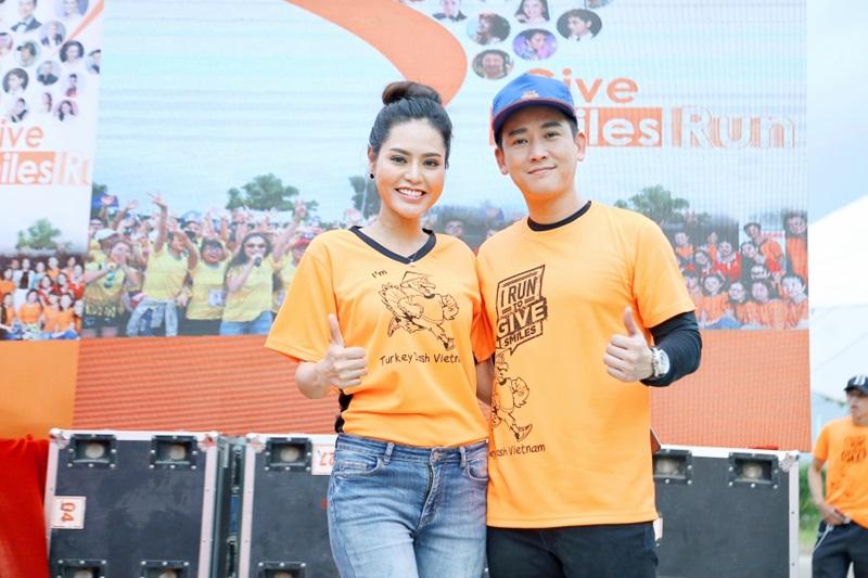 Hoa hậu Dy Khả Hân và diễn viên Hứa Vỹ Văn trong