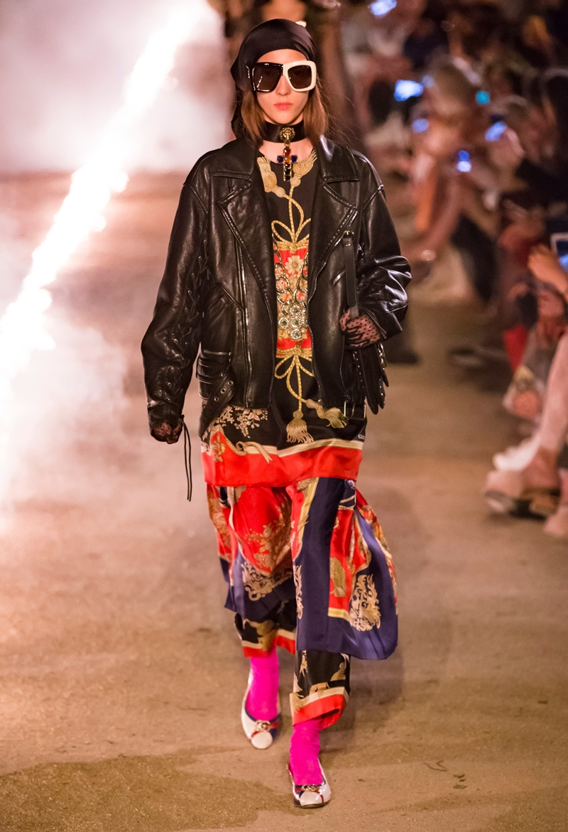 Thiết kế của Gucci trên sàn catwalk.