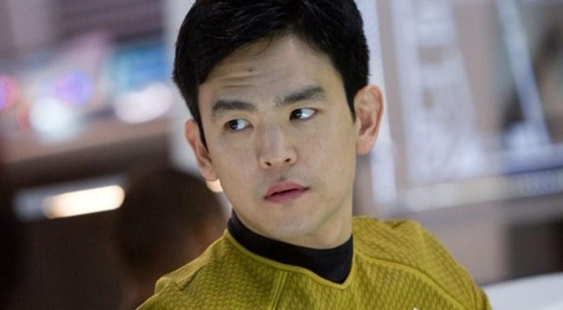 John Cho trong vai thuyền viên Star Trek Sulu quả cảm.