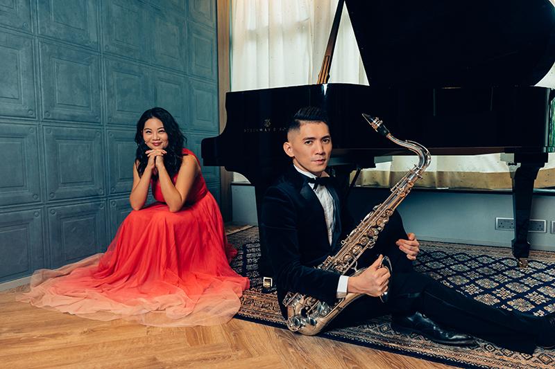 """Timothy Sun và Jacqueline Leung """"hâm nóng"""" Giáng sinh bằng một đêm nhạc quyến rũ"""