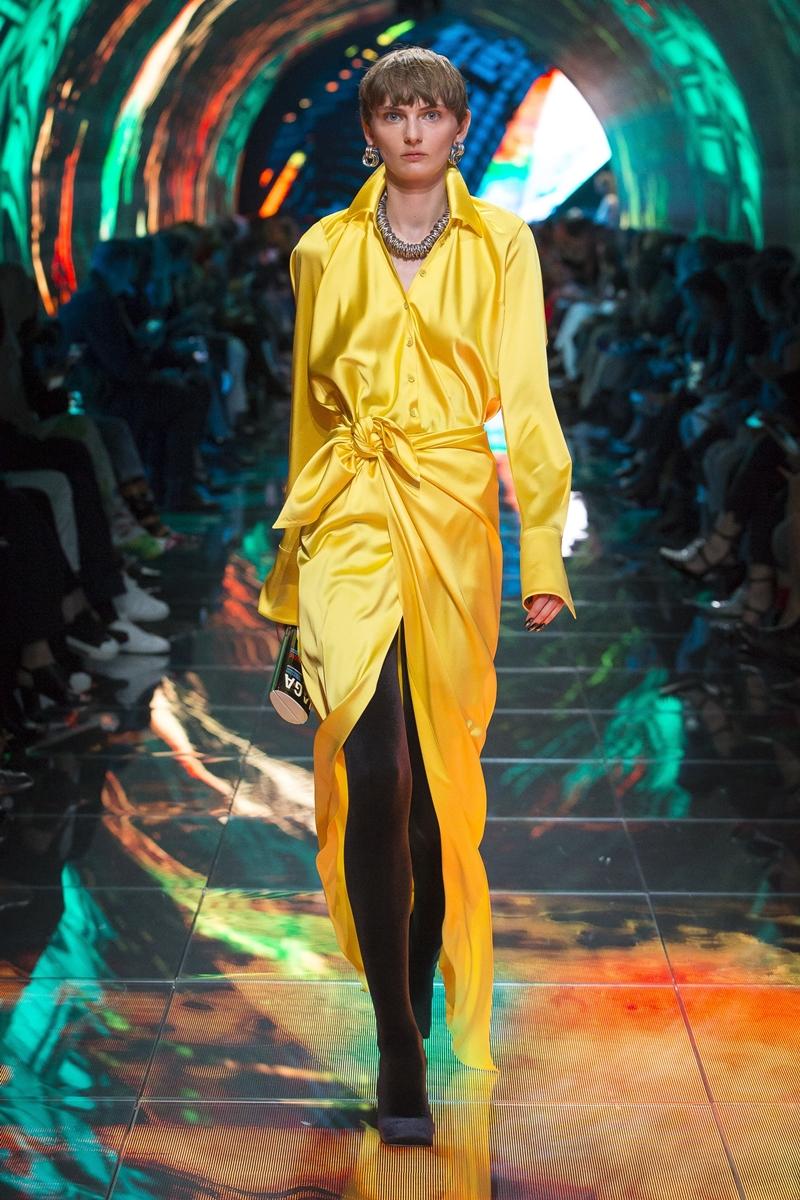 Thiết kế đầm dáng sơ mi của Michelle Obama được chọn lựa từ BST Xuân Hè 2019 của thương hiệu Balenciaga.