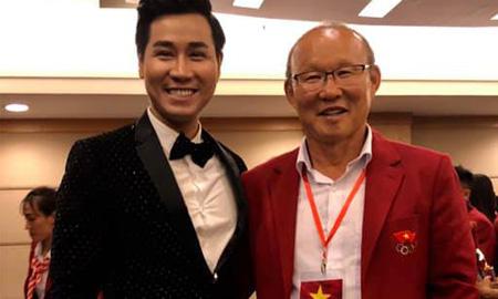 Nguyên Khang và dàn sao Việt hát cổ vũ tuyển Việt Nam trước thềm chung kết lượt về AFF Cup 2018