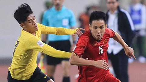 CĐV nước ngoài bức xúc vì Malaysia chơi xấu Việt Nam