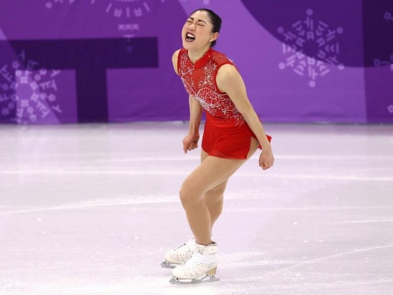 Mirai không giấu được sự hạnh phúc khi đã làm nên lịch sử, để lại cột mốc sáng chói trong sự nghiệp trượt băng của mình.