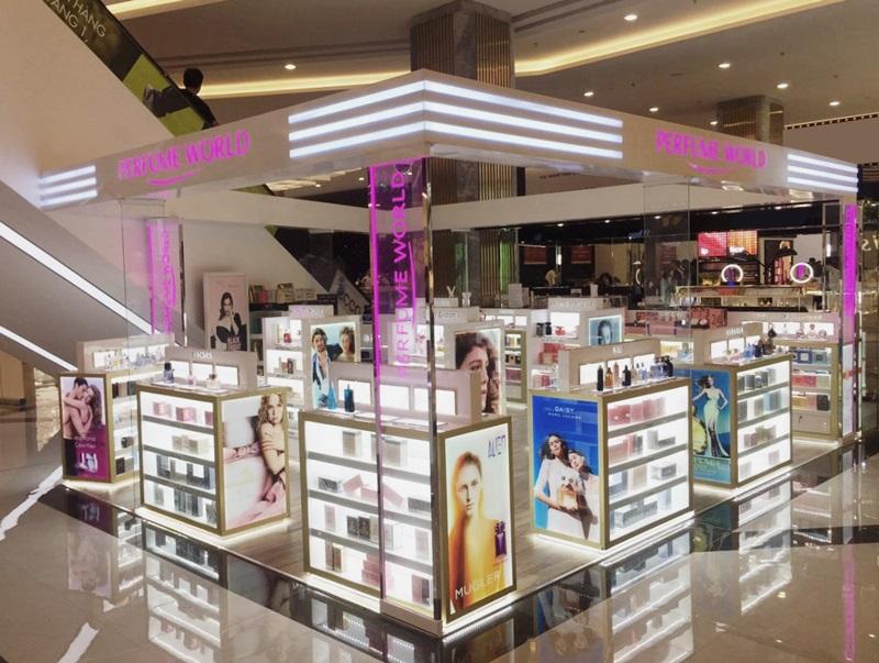 Năm 2017, công ty Thế Giới Nước Hoa còn sở hữu thêm thương hiệu Perfume World tọa lạc tại hơn 20 trung tâm thương mại cao cấp Vincom trên khắp cả nước.