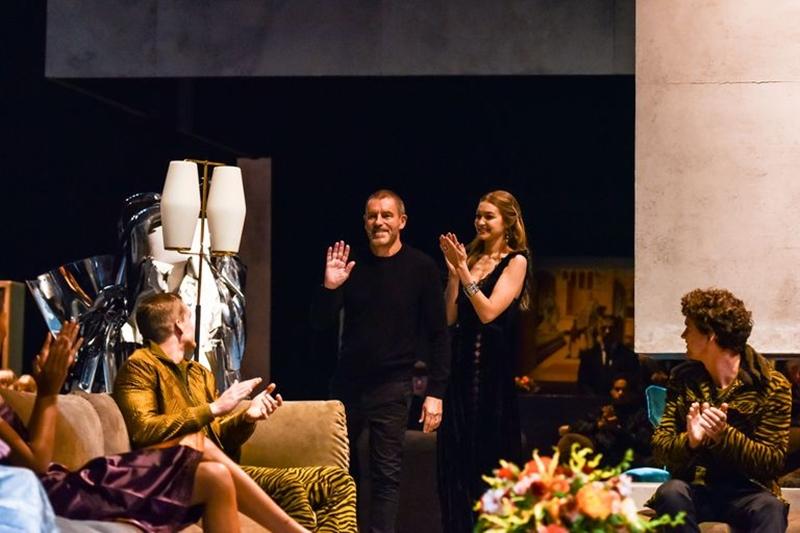 Tomas Maier trong buổi ra mắt BST cuối cùng của ông dành cho thương hiệu Bottega Veneta.