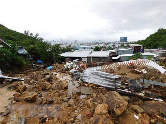 Xây hồ chứa nước 'trên đầu' khu dân cư tiềm ẩn tai họa khôn lường