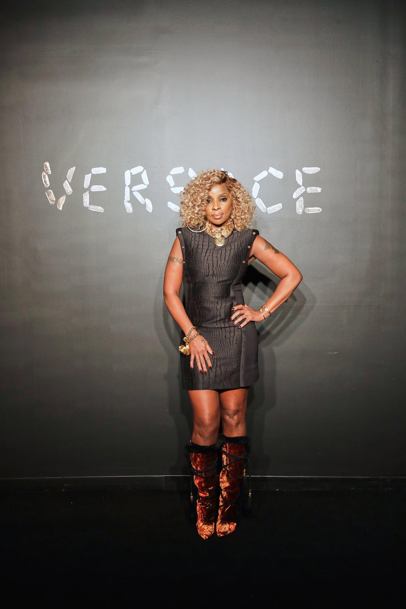 Bà hoàng nhạc R&B Mary J. Blidge cũng là khách mời danh dự tại show Versace lần này.