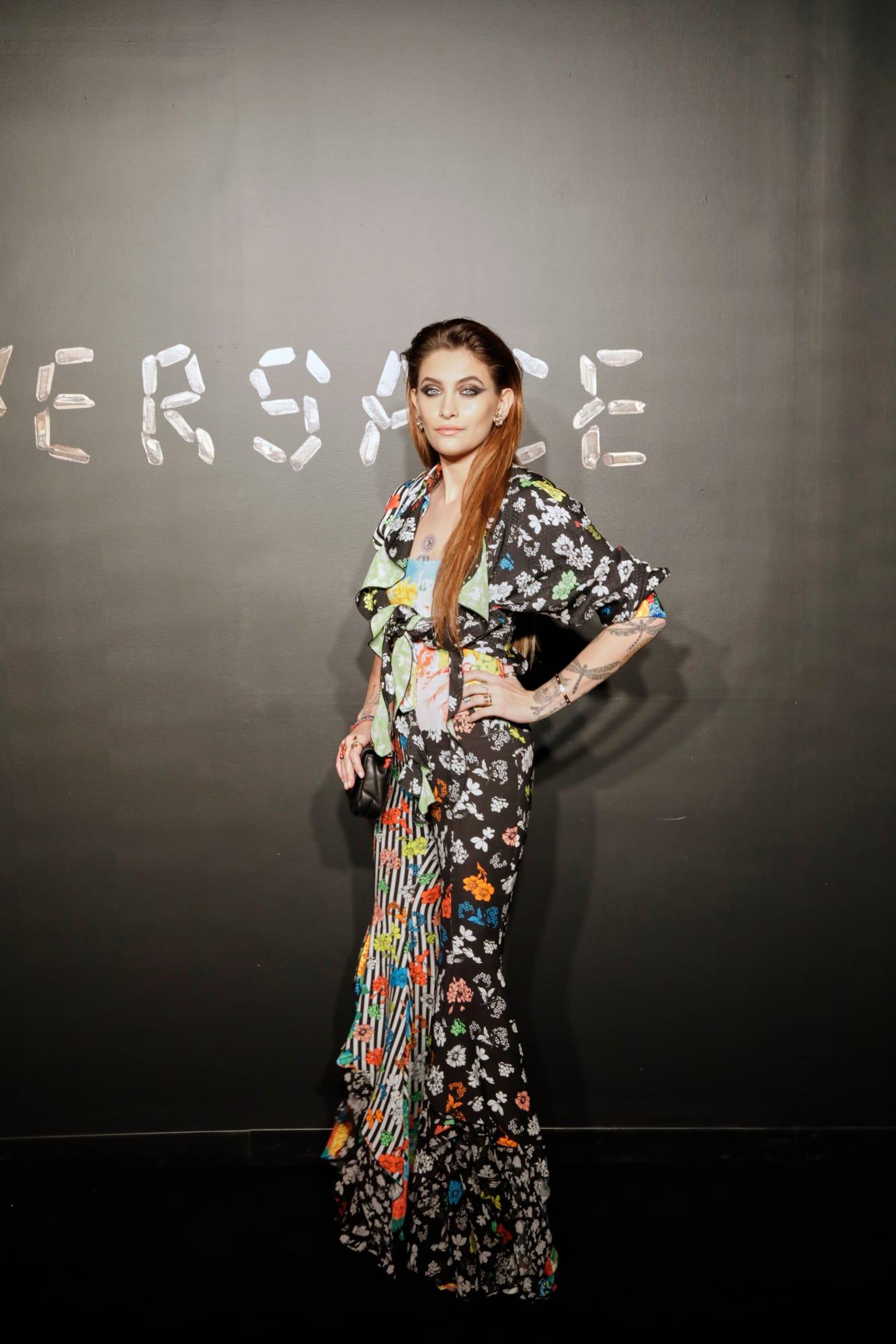 """Paris Jackson - ái nữ của ông hoàng nhạc Pop Michael Jackson - chọn một thiết kế hơi """"dừ"""" so với tuổi 20 của mình."""