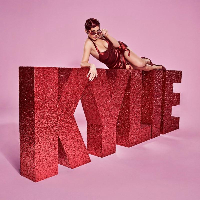 Những hình ảnh mới nhất của Kylie Jenner trong chiến dịch quảng cáo bộ sưu tập Valentine