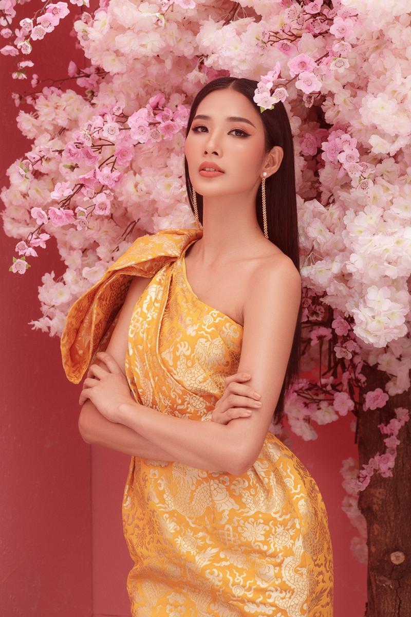 """Sau hơn 1 năm đăng quang Á hậu 1 Hoa hậu Hoàn vũ Việt Nam, Hoàng Thùy hiện tại vẫn đang được khán giả đặt niềm tin sẽ là nhan sắc nối gót H'Hen Niê và """"làm nên chuyện"""" tại Miss Universe 2019."""