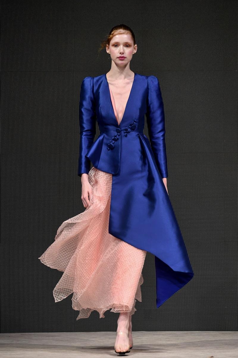 Tháng 09 năm 2018, PHUONG MY từng gây bão tại Canada khi mở màn tuần lễ thời trang Vancouver Fashion Week, với BST Sonorous và là thương hiệu Việt Nam đầu tiên đường đường chính chính xuất hiện trên VOGUE Mĩ, Bazaar China, Collezioni Italy và nhiều những tạp chí thời trang lớn khác của thế giới.