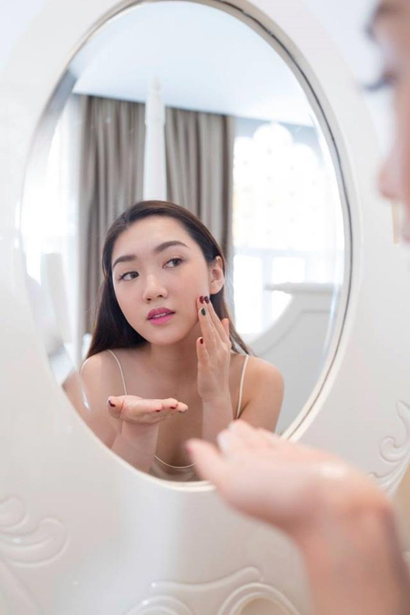 Beauty Blogger Chloe Nguyen có một bài phân tích khá kỹ về những sai lầm trong việc dưỡng ẩm.