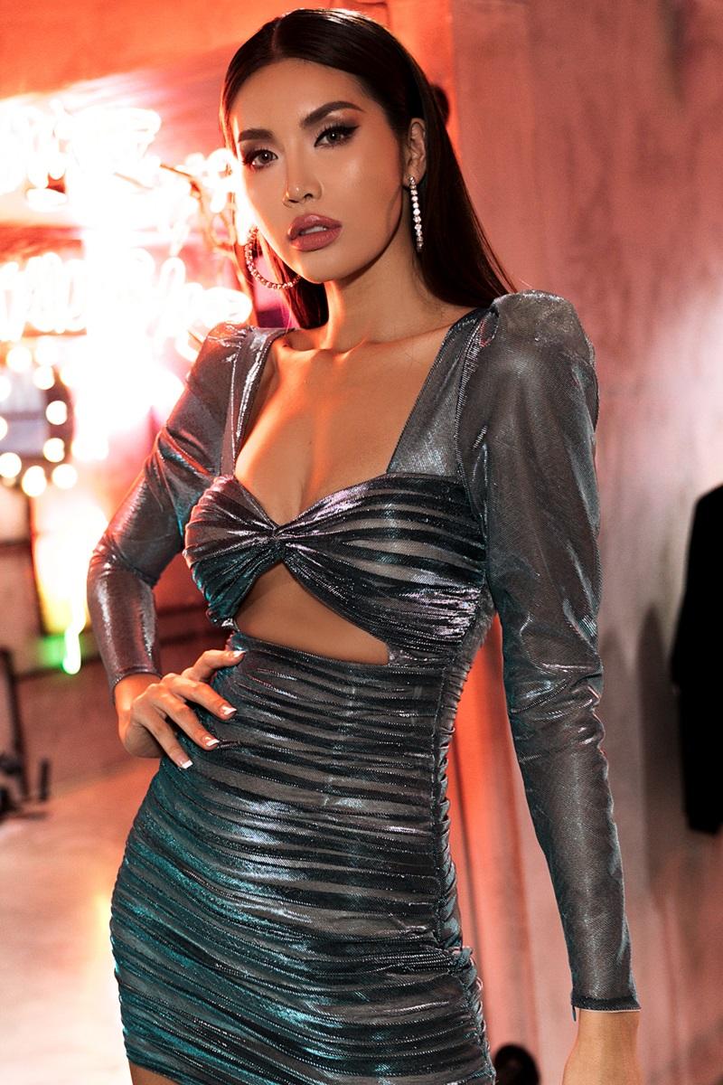 Người mẫu/Hoa hậu Siêu Quốc gia Châu Á 2018 Minh Tú. Cô cũng là gương mặt đại diện của thương hiệu mỹ phẩm IAM Cosmetics.
