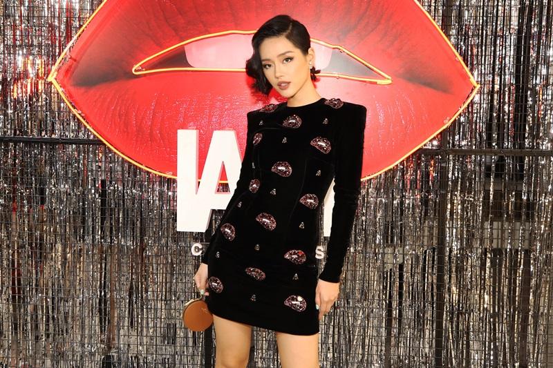 Người mẫu Khánh Linh