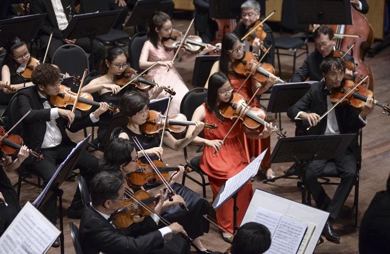 Các thành viên dàn nhạc SPO - các thành viên kỳ cựu từ dàn nhạc giao hưởng thành phố và SPYO