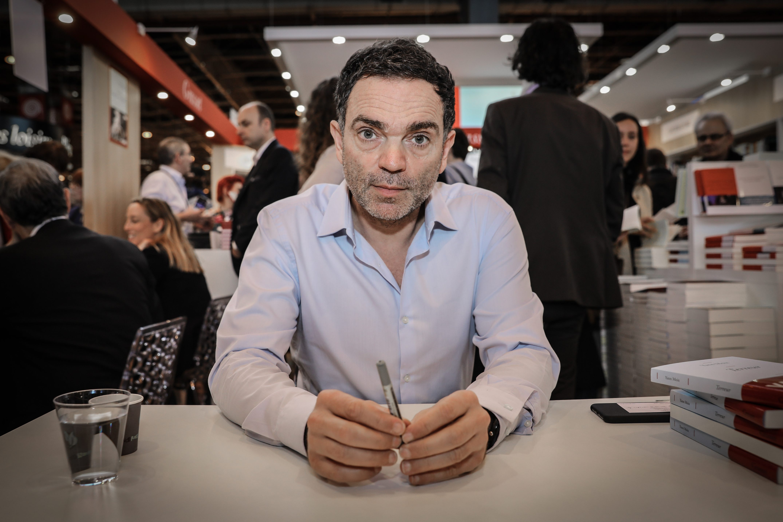 ©PHOTOPQR/LE PARISIEN ; © PHOTO / Le Parisien / Frédéric Dugit Spectacle / Livre Porte de Versaille (Paris XVe) Salon du livre Photo: l'écrivain Yann Moix 25/03/2017 (MaxPPP TagID: maxnewsspecial107566.jpg) [Photo via MaxPPP]