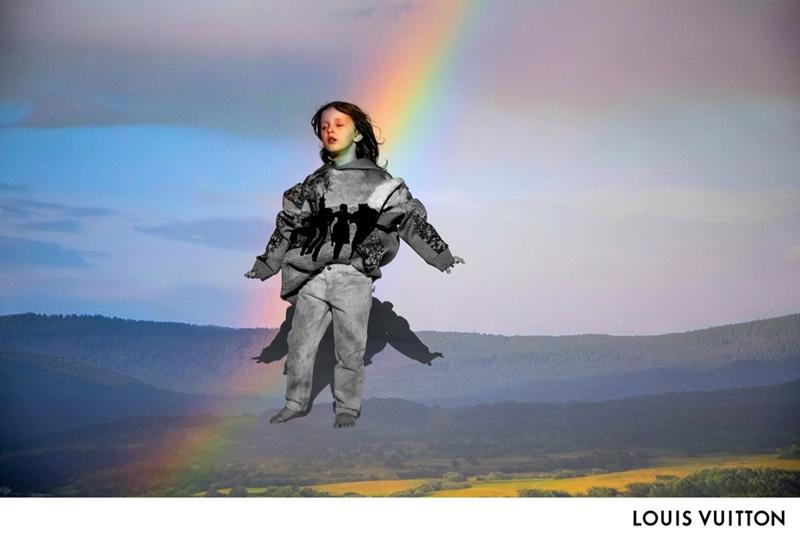 Thuở thiếu niên được thể hiện bởi nam diễn viên nhí 7 tuổi Leo James Davis, bước đi với đôi mắt nhắm nghiền dưới ánh cầu vồng.