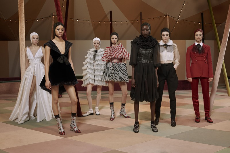 Những thiết kế trong BST Haute Couture Xuân Hè 2019 của Dior.