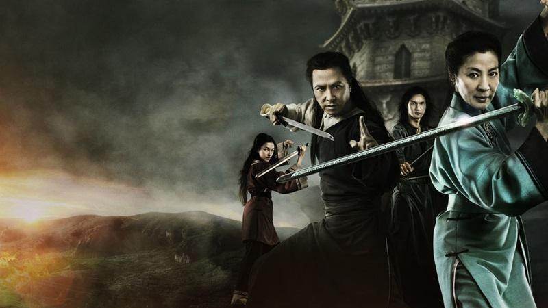 Chân Tử Đan, Dương Tử Quỳnh trong phim Ngọa hổ tàng long – Thanh Minh bảo kiếm (2016) do Viên Hòa Bình làm đạo diễn.