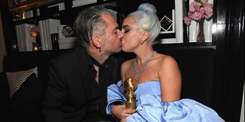 """Dĩ nhiên không thể bỏ qua giây phút ngọt ngào cùng người đàn ông mình yêu. Năm 2018 vừa qua hẳn là thời điểm thăng hoa của Lady Gaga ở cả sự nghiệp lẫn đời sống riêng, khi """"A Star is Born"""" gây được tiếng vang và cô quyết định đính hôn với Christian Carino."""