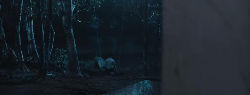 """""""Chị ơi, em lạnh quá""""… Tiếng cậu bé than thở một cách đầy thảm thương đã khiến Huy Khánh tức tốc bỏ chạy thục mạng."""